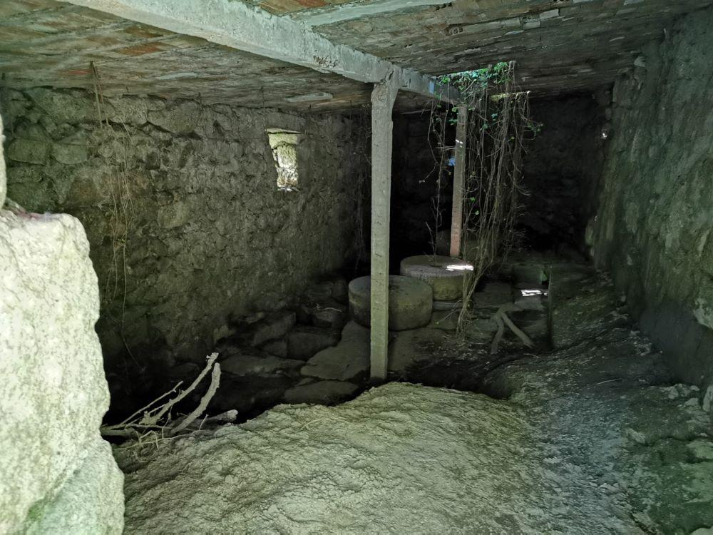 Interior do muiño